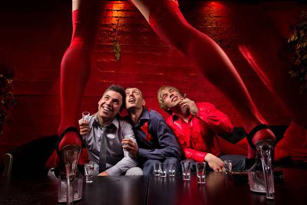 Stripperin zum Junggesellenabschied buchen - Chantal-Strip.com