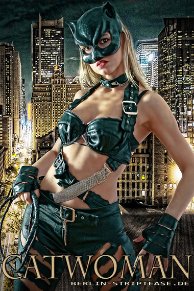 Stripperin als Catwoman buchen - Chantal-Strip.com