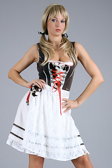 Stripperin als Dirndl buchen - Chantal-Strip.com
